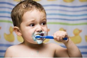 Tác hại ghê gớm khi dùng nhiều kem đánh răng